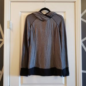 Lululemon long-sleeved pullover
